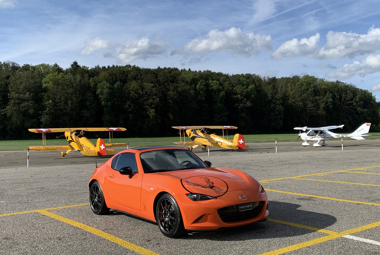 https://garage-jegerlehner.mazda.ch/wp-content/uploads/sites/61/2019/11/MX-5-30th-Anniversary-s.jpg